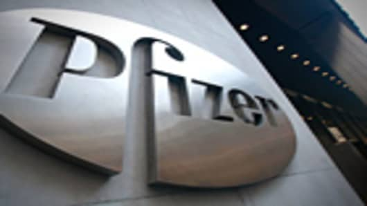 pfizer-headquarter-sign-140.jpg