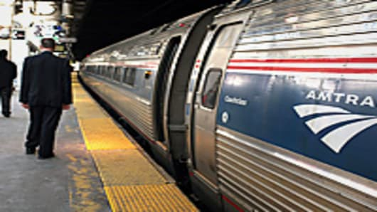 amtrak-commuters-4-200.jpg