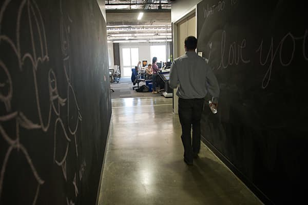 [Image: 46238636-facebook-office-chalk-walls.600...1333585402]