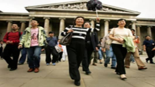 Chinese tourists visit the British Museum