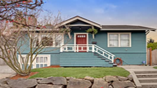 Single-Family House For Sale in Seattle