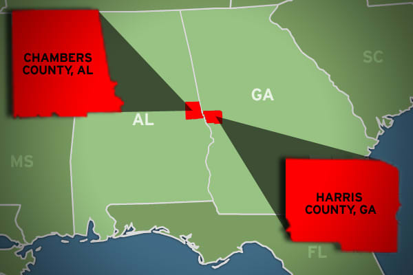 Wealth gap: 109.68% Harris avg. annual income: $84,697 Chambers avg. annual income: $40,393 In a wealth gap that straddles state lines, the disparity between Harris County, Ga., and Chambers County, Ala., sees the average income of the Georgia side more than double that of the Alabama side, for a wealth gap of 109.68 percent. Harris County benefits from being near LaGrange and Columbus, Ga., which the Chamber of Commerce had dubbed for the county. The county benefits most from businesses and eco