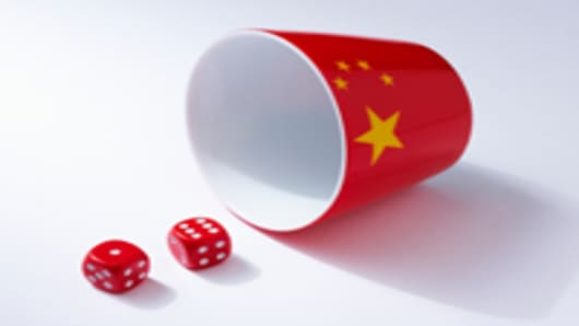 chinese-flag-on-cup-and-dice_200.jpg