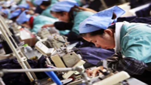 china-factory-workers-textile-new_200.jpg