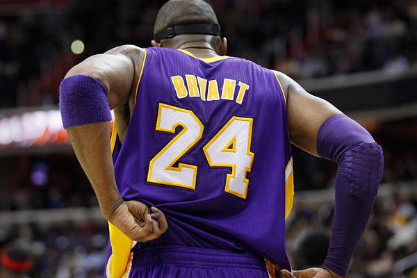 47190321-The-NBAS-best-selling-jerseys-kobe-bryant.jpg