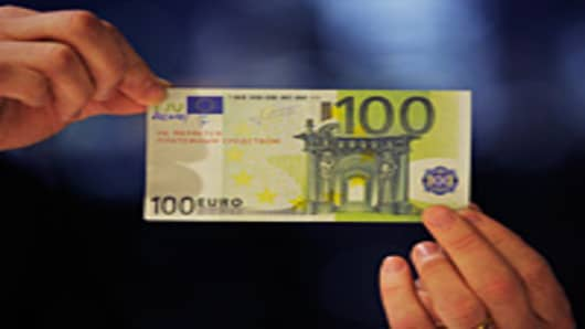 A counterfeit 100-euro-banknote.