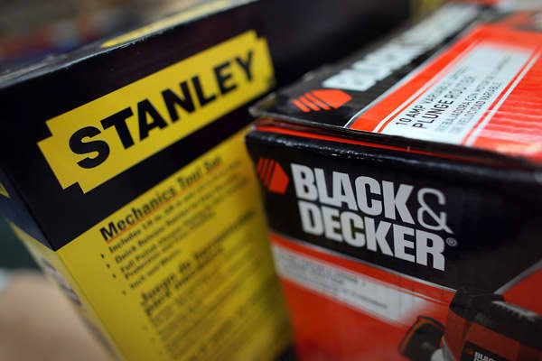 """Stanley Black & Decker is the largest maker of hand tools, power tools and related accessories in the U.S. The company enjoys a 40 percent market share in tools, making it the """"undisputed king of the market,"""" Cramer said.Stanley Black & Decker is profiting from a surge in spending at home improvement retailers Lowe's and Home Depot, each of which accounts for more than 10 percent of Stanley's sales. Its stock is cheap, too, selling for 12 times forward earnings estimates, with an 18 percent long"""