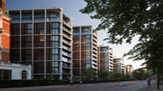 One Hyde Park, the world's most expensive apartments, designed by Richard Rogers, opened in 2011, London.