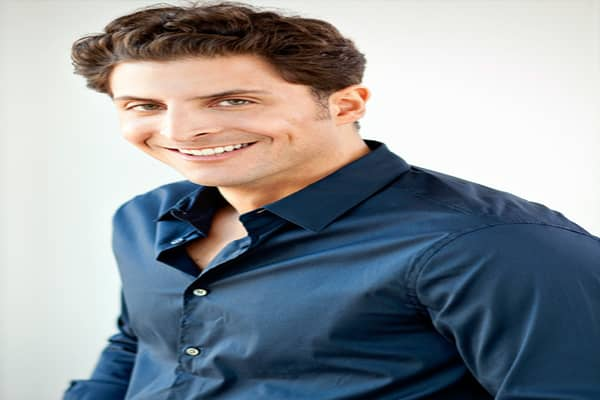 """Arthur Kade embarked on a career with American Express Financial Advisers after graduating from temple University, but it just wasn't for him. In 2009, he left to pursue acting and modeling, but work was scarce. """"I probably wasn't meant to be a successful actor,"""" he told CNBC.com. But today he's found a career as the host of an Kade's first interview was with Jennifer Farley, best known to fans of """"Jersey Shore"""" as Jwoww. Since then, he estimates that he has conducted between 300 and 400 intervi"""