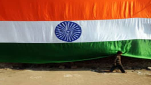 india-flag-with-boy_200.jpg