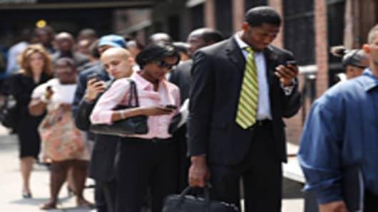 unemployment-line-03-200.jpg
