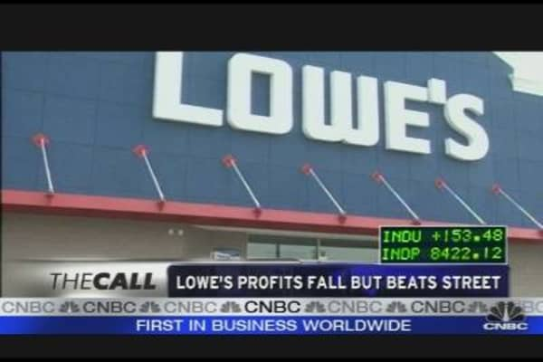 Lowes Profits Fall But Beats the Street
