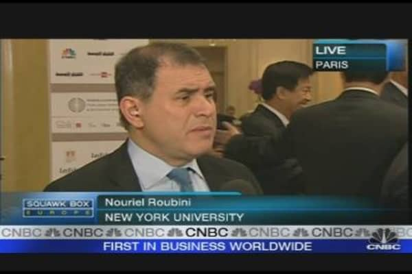 Oil, Rates May Stifle Recovery: Roubini