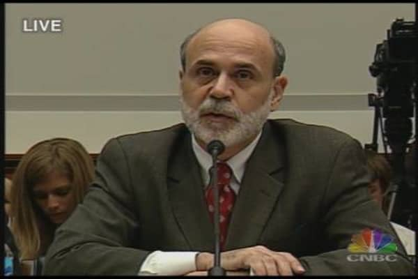 Bernanke Testifies on Economy, Monetary Policy