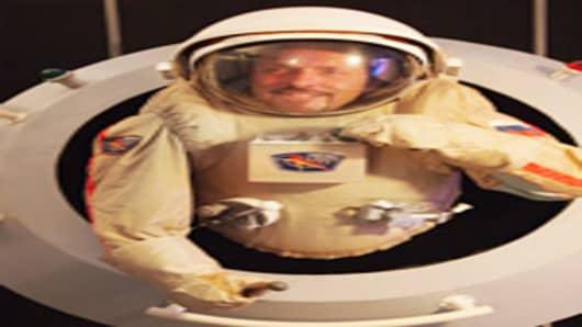excalibur-almaz-spacesuit-200.jpg
