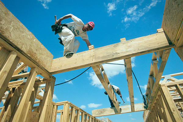 Net Job Creation: 50,300 Florida's job growth was evenly concentrated in three areas while traditional economic engines didn't fare as well. Even as the state showed signs of emerging from a deep real estate slump, construction payrolls plunged. In addition, the important leisure and hospitality sector showed a small gain. Economic growth was well below average. Florida, home to AutoNation, CSX, Darden Restaurants and Jabil Circuits, is currently offering economic incentives to big and small com