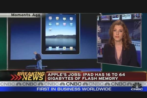 Discussing the iPad