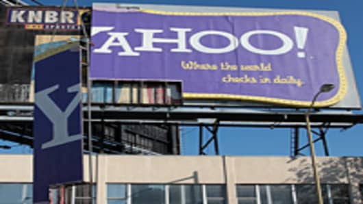 yahoo-sign-200.jpg