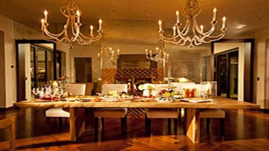 carbon-mesa-300-dining-room.jpg