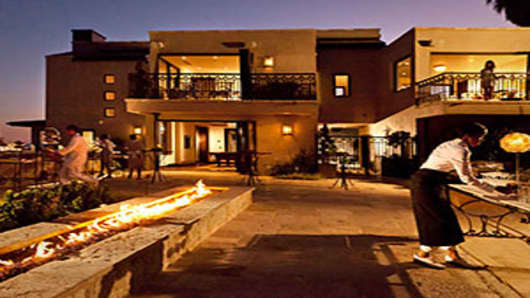 carbon-mesa-300-patio.jpg