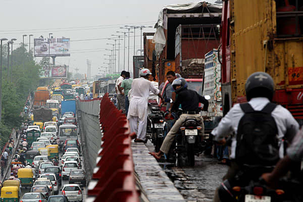 Huge traffic jams were seen in major cities across northern India after traffic signals stopped functioning.