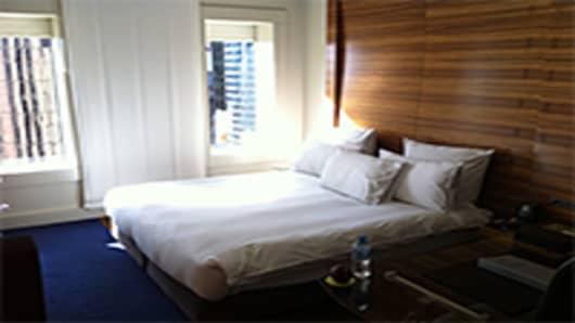 Hilton-Sydney1-200.jpg