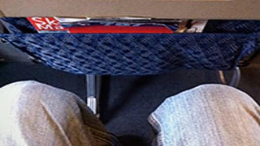 coach-seat-pinch-02-200.jpg
