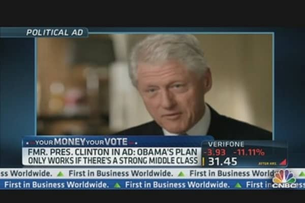 Clinton Makes Economic Case for Obama Tonight