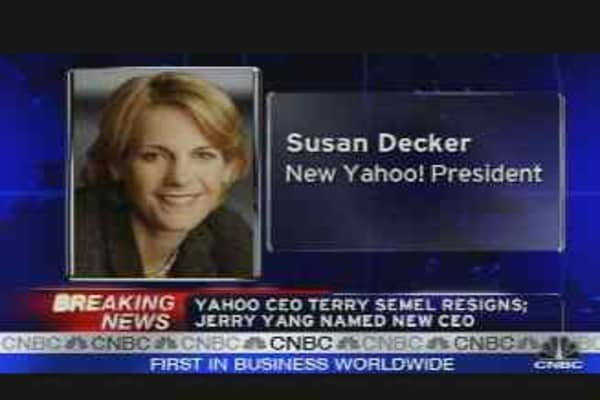 Yahoo CEO Resigns