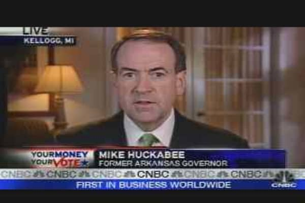 Huckabee Battles in Michigan