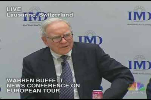 Buffett Breaks Toe