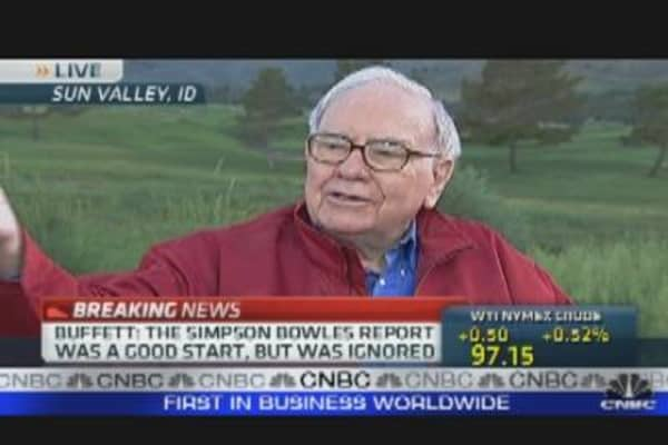 Buffett: Battle Over Debt Ceiling is Silly