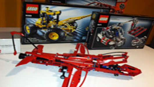 lego-plane-200.jpg