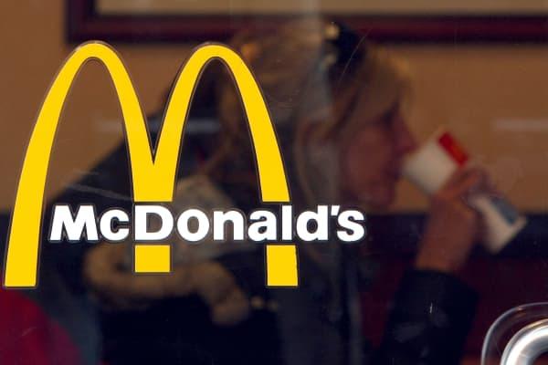 mcdonalds-sign-2-140.jpg