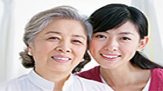 asian-elderly-parent-and-child2-140.jpg