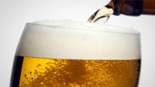 beer-being-poured-200.jpg