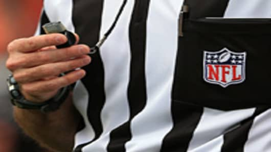 The NFL and NFL Referees Association reached an agreement to end a labor dispute allowing locked-out officials to return to action for Thursday nights game.