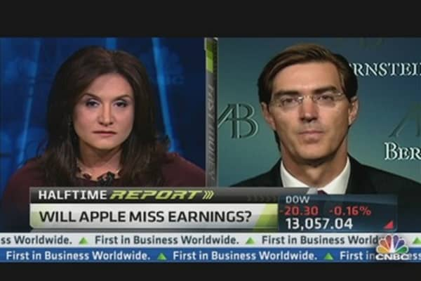 Sacconaghi: Apple Earnings Likely to Miss Targets