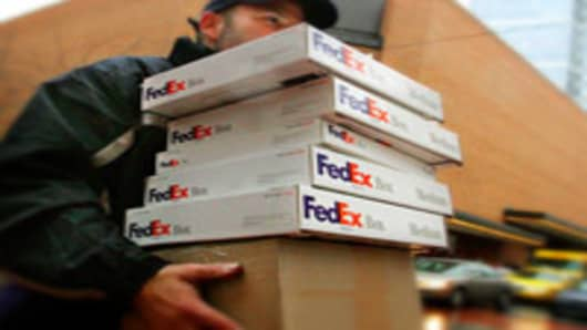 FedEx Sees Holiday Shipments Up 13%
