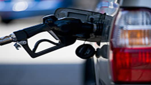 Plunging Oil Prices Are Big Boost for US Drivers
