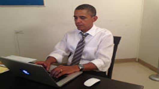 Obama Uses Reddit to Make Final Plea as Polls Close