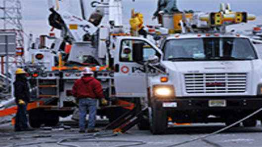 Non-Union Help Not Rejected After Storm: Utility Co.