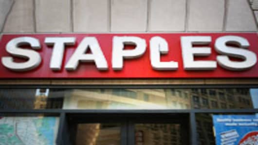 Staples Swings to a Loss on Restructuring