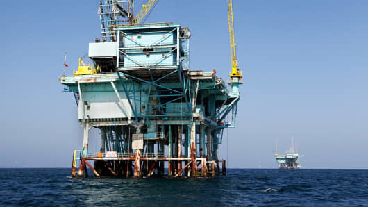 Offshore oil drilling platform