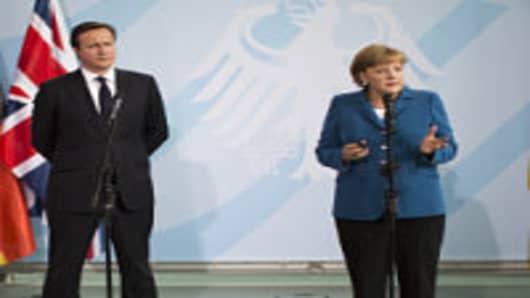 Merkel to Warn UK on Europe Budget Veto