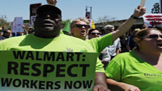 Wal-Mart Steels Itself for Black Friday Labor Showdown