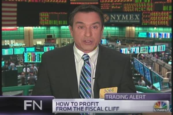 Best Fiscal Cliff Play? Sell Bonds