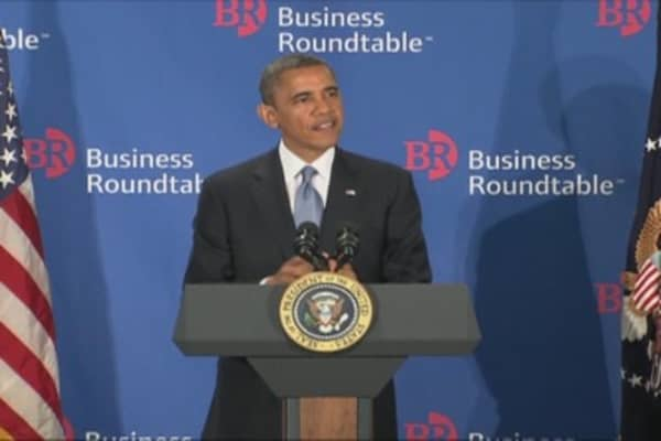 President Obama Addresses CEOs on Fiscal Cliff