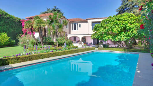 This home in Beverly Hills recently sold for $14,000,000.