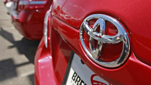 A Toyota Motor Corp. Camry sedan sits on the lot of Brent Brown Toyota in Orem, Utah, U.S. on Thursday, May 7, 2009.
